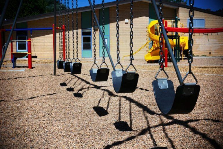 Do Kids Do Better in Year Round School? amotherworld   www.amotherworld.com