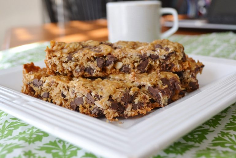 Chewy Chocolate Chip Granola Bar Recipe