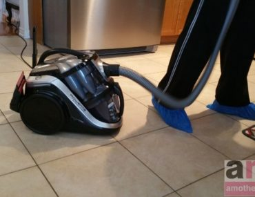 8 Ways to Reduce Dust in Your Home #DownWithDust