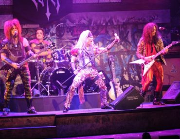 Dee Snider Rock and Roll Xmas