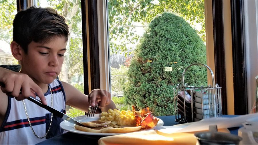 Fern Resort Ontario Breakfast