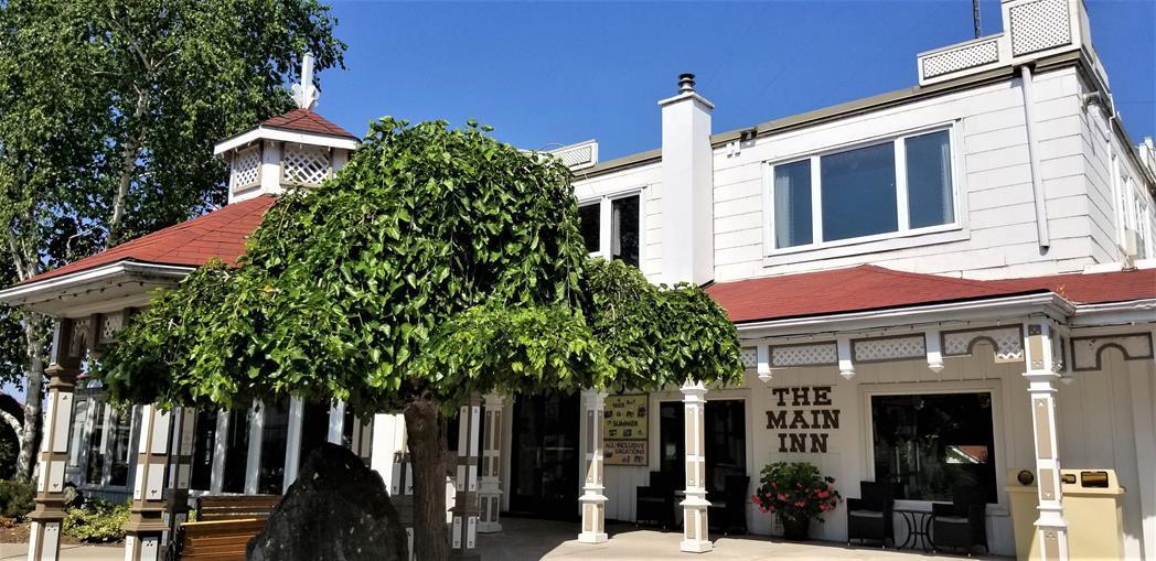 Fern Resort Ontario Main Inn