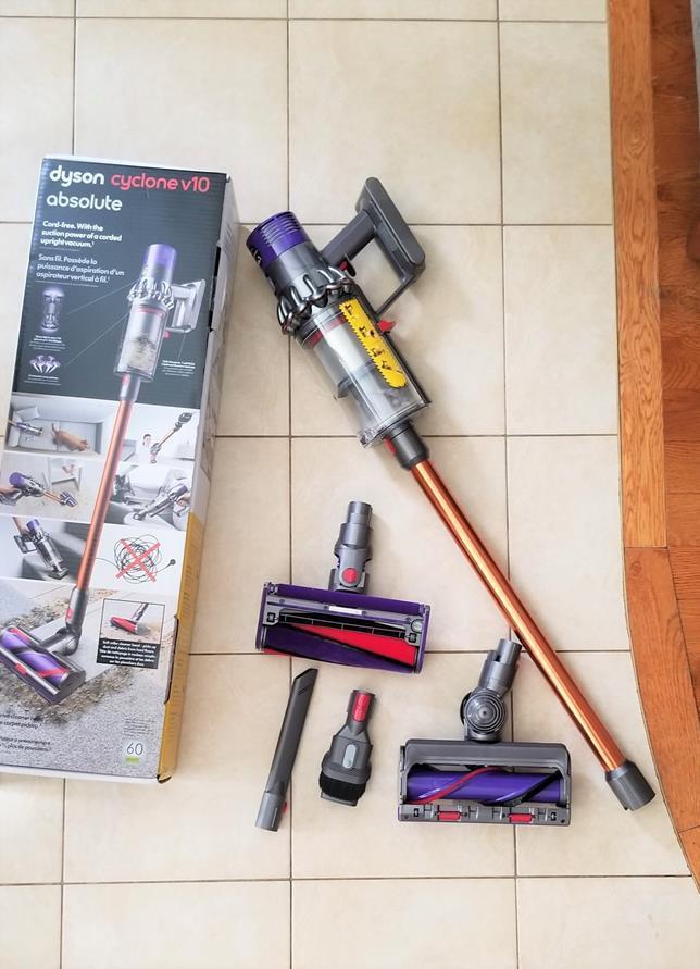 Cord-Free Vacuum - Dyson Cyclone V10