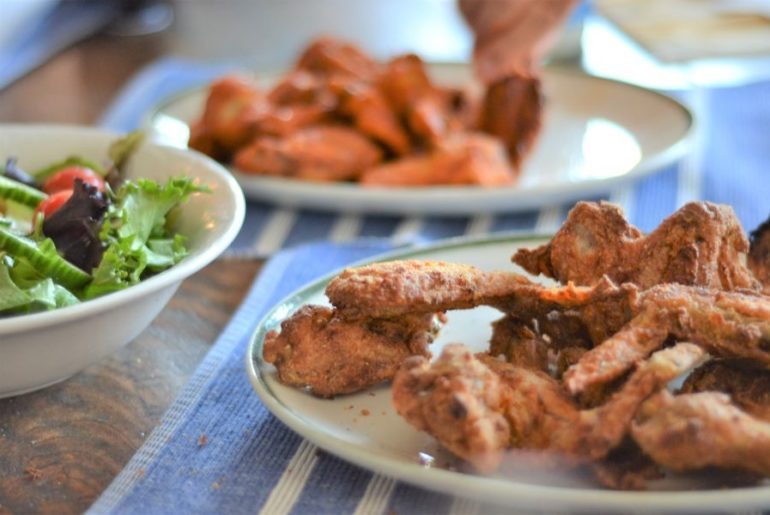 How to Make Restaurant-Style Chicken Wings in the Air Fryer   amotherworld