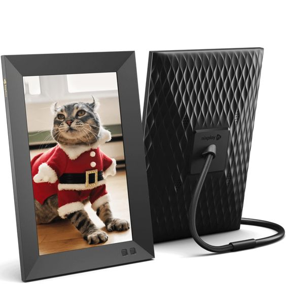 Holiday Gift Guide for HER - Nixplay Smart Photo Frame